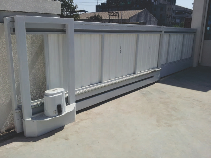TELESCOPIC SLIDING GATE